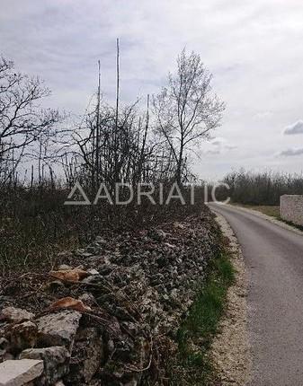 Građevinska parcela u Savičenti