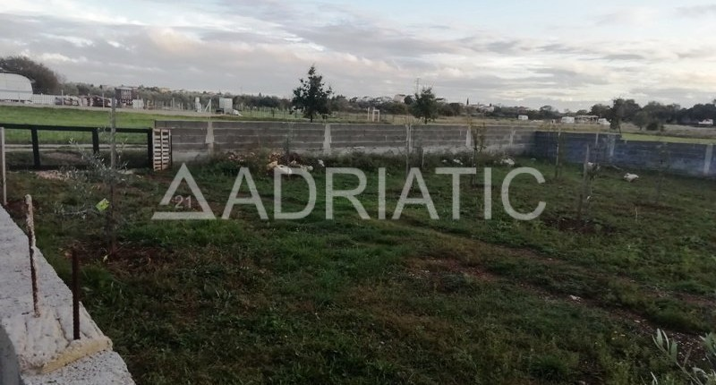 Poljoprivredna parcela u Puli